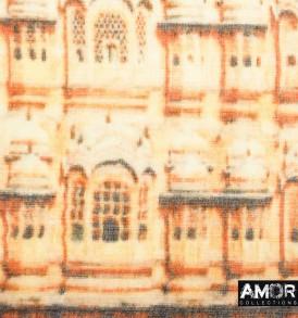 Zijde en wol shawl met digitale print van het hawa mahal paleis in de kleur beige/oranje met blauw/paars