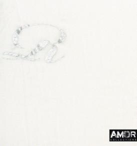 Detail foto van de speciaale sjaal met Amor print in de kleur zilver.