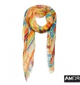 Deze linnen met modaal shawl heeft een Aztec printje in 2 leuke zomerkleuren!