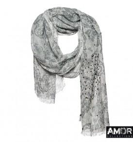 Een mooie zwart witte shawl van linnen met kantenprint, studs en pailletten.