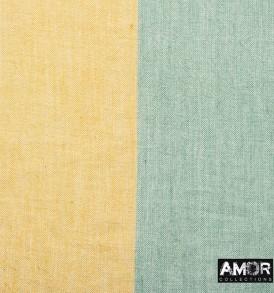 Detail foto van de katoenen sjaal met 2 kleur blokken in de kleuren groen en beige.