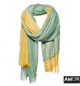 Een mooie katoenen sjaal met 2 kleur blokken.