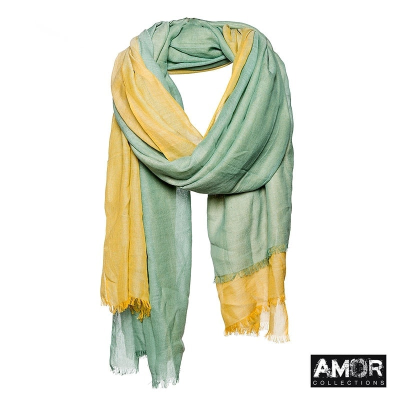A cotton scarf with colour blocking. Colour: Green.