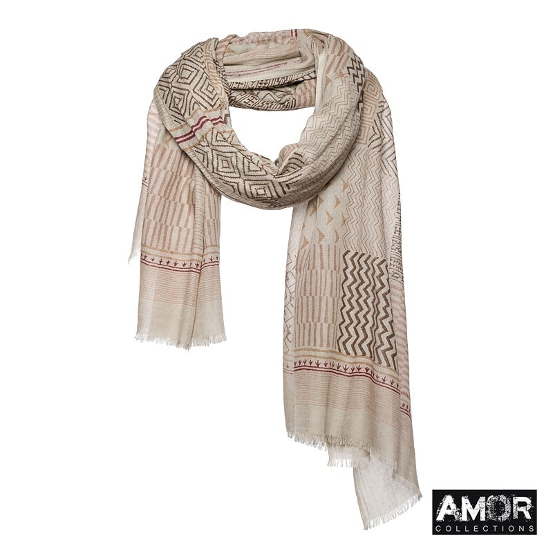 Scarf with Aztec print. Great with colours like beige, brown and ecru.