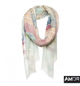 Deze zomerse multi print shawl is gemaakt van wol en zijde, maar door de frisse kleuren toch te dragen in de zomer!