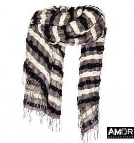 Een prachtige blanket van wol met grote slubs over de gehele brede van de blanket.