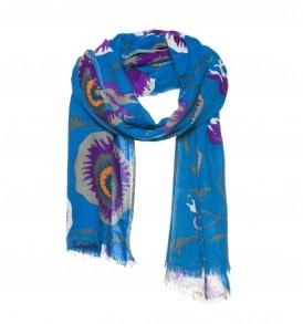 Een wollen sjaal met een bloemen print in de kleur blauw.