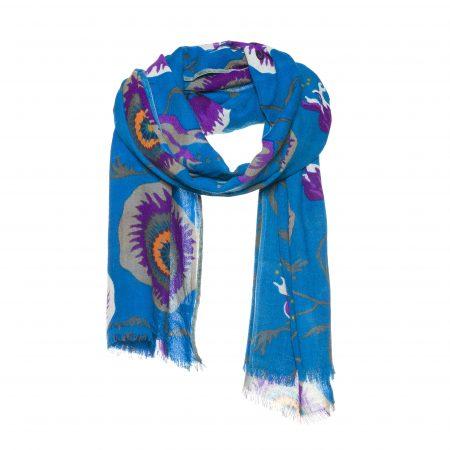 blauwe wollen sjaal met een bloemen