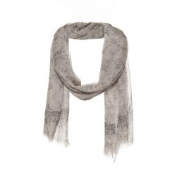 A scarf with beautiful pattern - AM 585