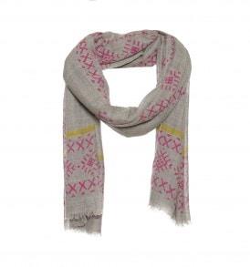 Een prachtige wollen sjaal met kruisjes print. Verkrijgbaar in de kleur: roze.