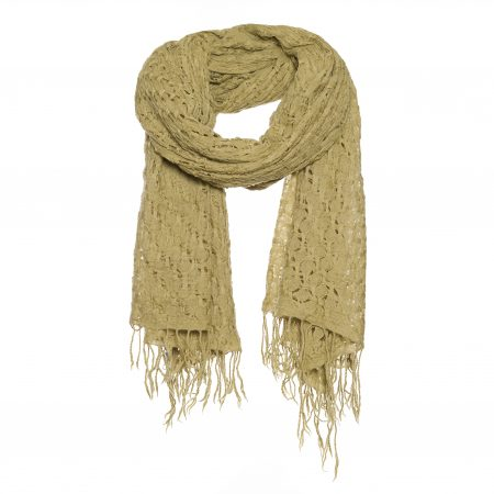A warm scarf with basket weave