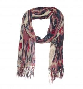 Een mooie wollen sjaal met ikat print in de kleur rood/grijs.