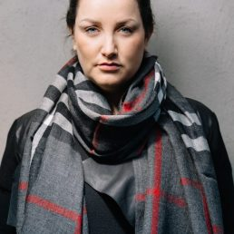 Classic woolen scarf with woven in tartan - AM 1019